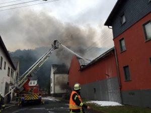 Feuerwehr_Runkel_Schadeck_Einsatz_F2_Steeden_Scheunenbrand (9)